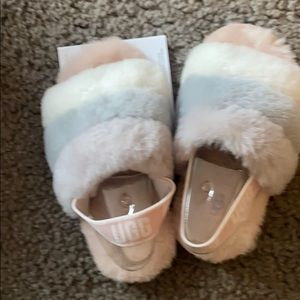 Girls Ugg slippers Size US 9